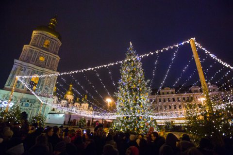 Наулицах Новый Год встретили около 1,1 миллиона человек— полиция