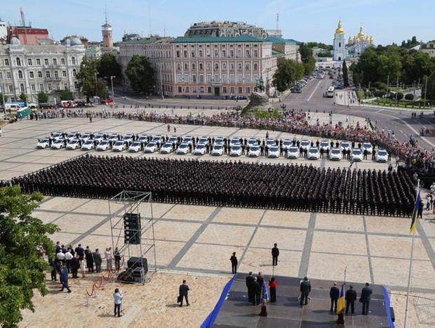 Нова патрульна служба склала присягу на Софійській площі (ФОТО) - фото 2