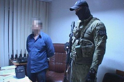 В Днепре подполковника и майора полиции поймали на крышевании торговли алкоголем