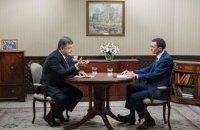 Порошенко поддержал идею отчислений с таможни на строительство дорог