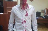 Советника Кличко облили марганцовкой из-за МАФов
