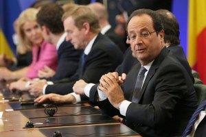 Олланд требует, чтобы Россия отвела войска от границы с Украиной