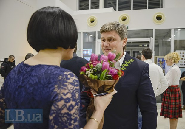 Александр Качный, экс-глава Киевского областного совета и Соня Кошкина