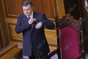 Янукович не появится в Раде до сентября