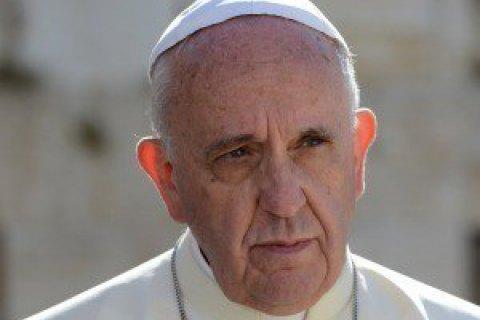 Папа Франциск попросил извинения убездомных