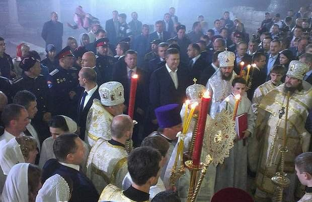 Янукович прибыл на крестный ход