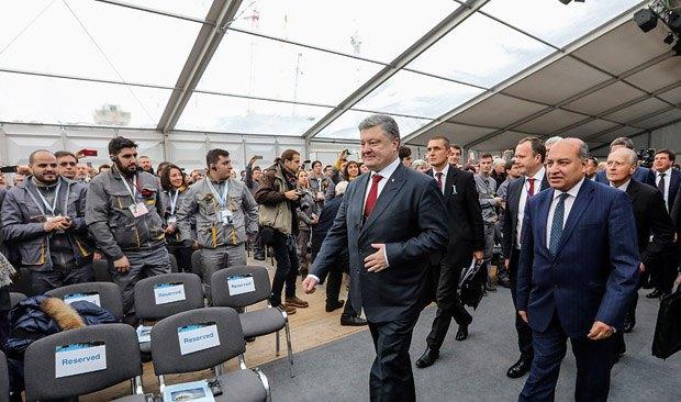 Порошенко считает, что угроза от РФ ужаснее Чернобыля