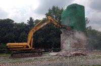 Памятник чекистам в Киеве попытались снести гидромолотом (обновлено)