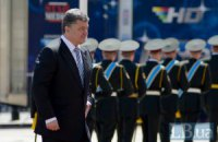 Порошенко стал верховным главнокомандующим (добавлены фото)