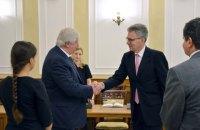 Шокин предложил привлечь специалистов из США к расследованию дел прокуроров-взяточников