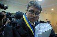 Тимошенко просит закончить вовремя: ей еще добираться автозаком