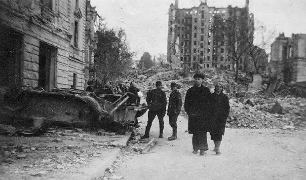 Киев, октябрь 1941. Дом Гинзбурга на ул. Институтской