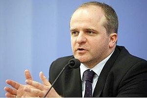 Евродепутат требует от Пшонки встречи с Тимошенко