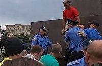 В Харькове подрались сторонники и противники Майдана