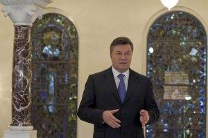 Янукович обещает учесть замечания наблюдателей