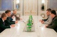 Янукович проводит переговоры с лидерами оппозиции