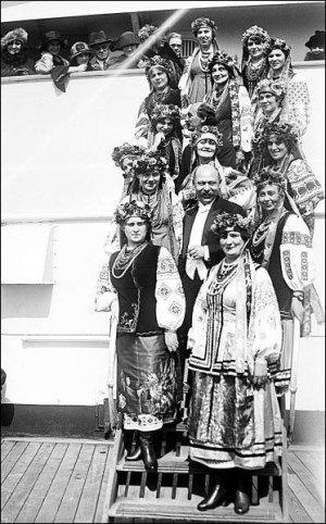 Український Національний Хор під час однієї з морських подорожей. Фото із сайту Бібліотеки конгресу США