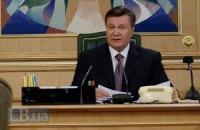 Янукович поручил принимающим городам высадить цветы на обочинах и тротуарах
