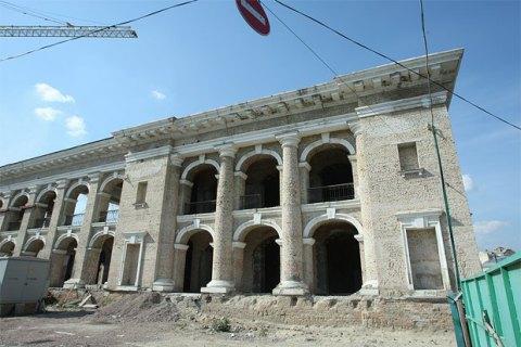 Генпрокуратура столицы Украины отстаивает всуде возврат здания «Гостиного двора» государству