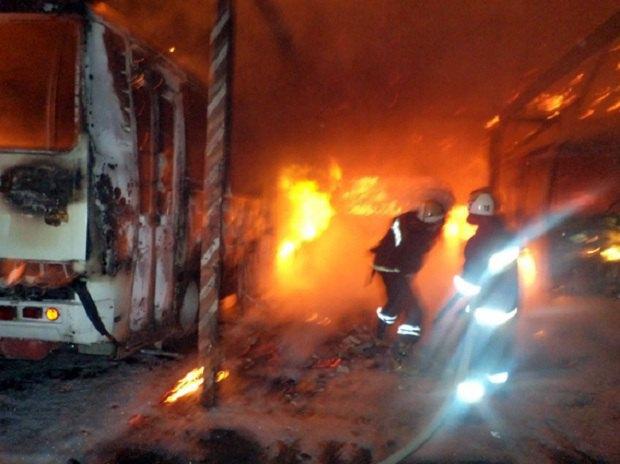 УСлавуті Хмельницької обл. настоянці згоріли 4 автобуси