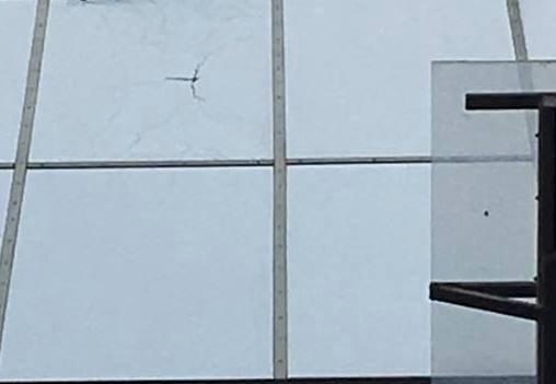 Окно Шокина после обстрела