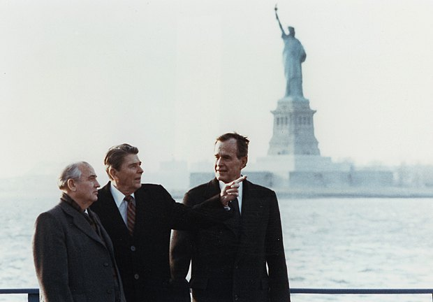 Soviet President Mikhail Gorbachev meeting US counterpart Ronald Reagan and Vice-President George Bush in New York, 7 December 1988