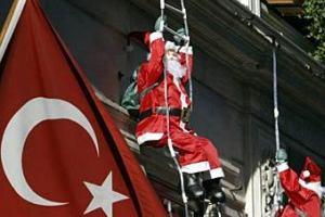 """Турецкий имам назвал Санта Клауса """"бесчестным человеком"""""""