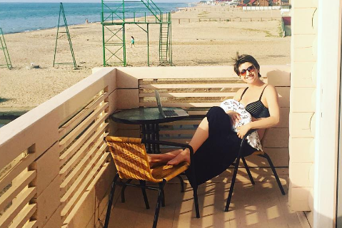 Анита Луценко с новорожденной дочкой уже отдыхает у моря