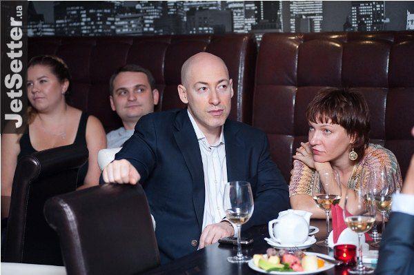 Дмитрий Гордон с супругой Еленой в сентябре 2011 года