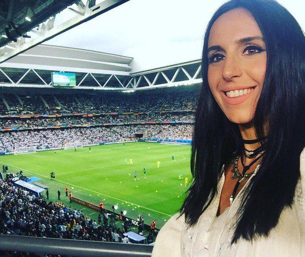 Джамала бросила отдых в ОАЭ ради Еврочемпионата