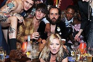 """Кейт Мосс """"зажгла"""" на вечеринке с метросексуалами"""
