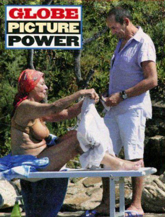 Софи Лорен показала папарацци, что не стесняется позировать обнаженной
