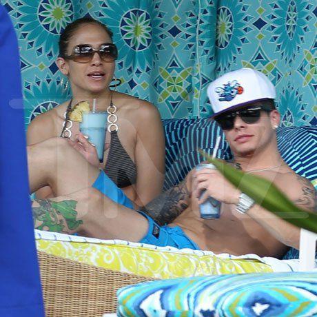 Джей Ло с любовником на Гавайях