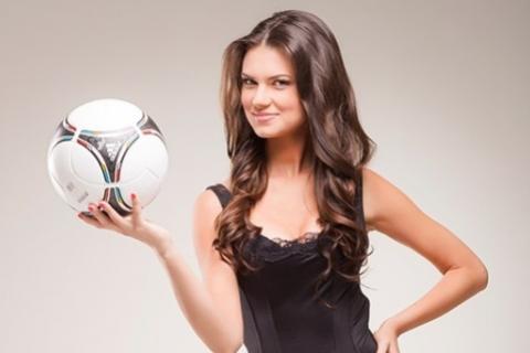 Футбольная ведущая Александра Лобода вышла замуж