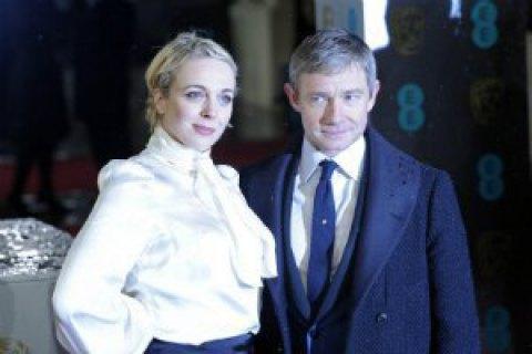 Звезды «Шерлока» Мартин Фримен иАманда Аббингтон распрощались