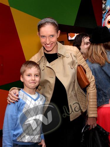 Катя Осадчая призналась, что не бывает строгой с сыном