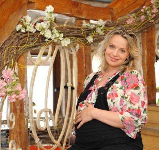 Ирма Витовская в этом году впервые стала мамой