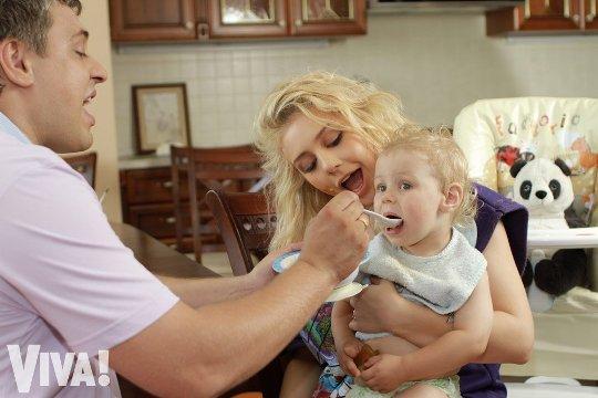 Тина Кароль вместе с семьей отправится в Крым