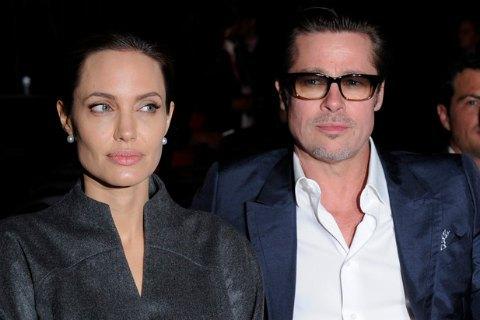 Анджелина Джоли вышла всвет без кольца