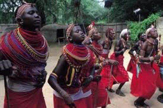 Многие племена Центральной Африки сохранили образ жизни и традиции...