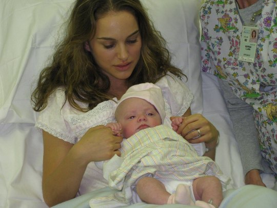 В этом году Натали Портман успела родить ребенка и сняться в трех картинах