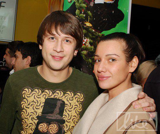 Дмитрий Ступка с девушкой