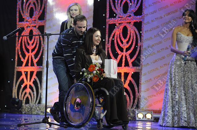 Анна Елисаветская - победитель номинации «Сильные духом». На чемпионате мира по плаванию среди спортсменов с поражением опорно-двигательного аппарата Анна выиграла 5 золотых наград