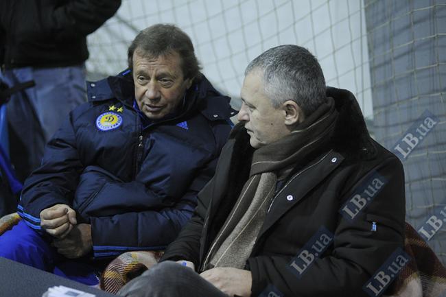 Юрий Павлович и Игорь Михайлович приготовились смотреть футбол