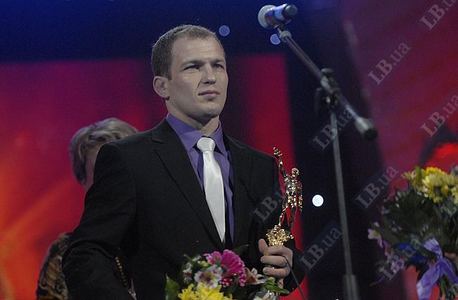 Лучший спортсмен года и «Мистер нефарт» Василий Федоришин - серебряный призер чемпионата мира и бронзовый призер чемпионата Европы по вольной борьбе (60 кг)