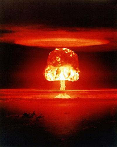 Испытание Castle Romeo 26 марта 1954, атолл Бикини. Атмосферный взрыв мощностью 11 мегатонн