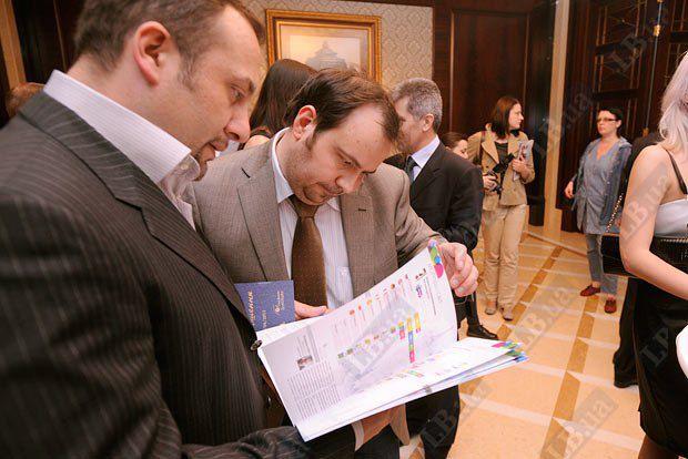 Журналист Владимир Павлюк (слева), главный редактор Lb.ua Олег Базар