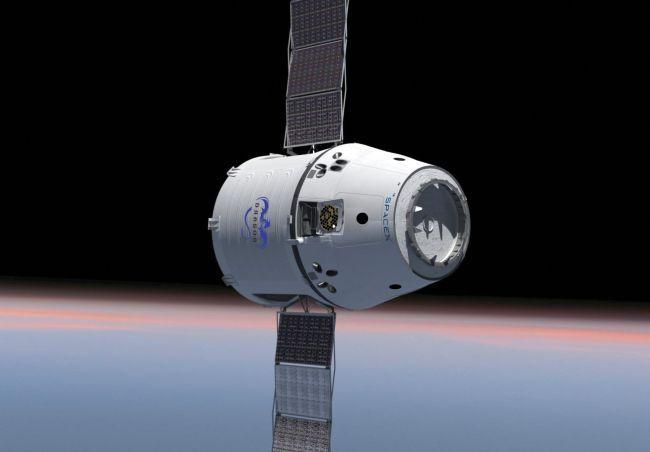 Космический аппарат Dragon разработки SpaceX