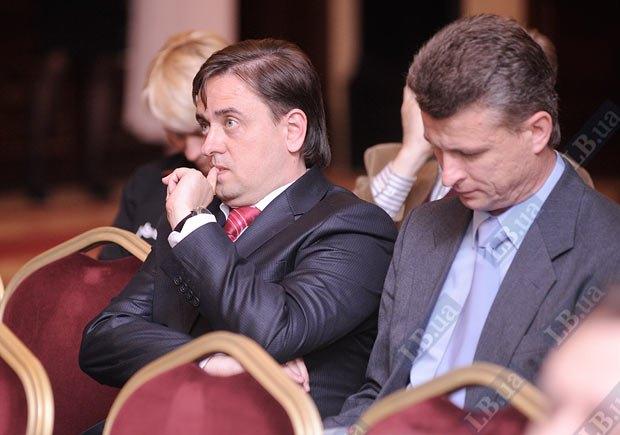 Глеб Головченко, владелец николаевской телекомпании ТАК-ТВ (слева)