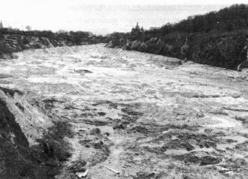 Путь сточных вод мимо Кирилловской церкви